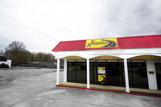 Building Auto Repair in Hixson