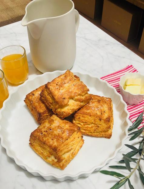 Garlic Buttermilk Biscuits