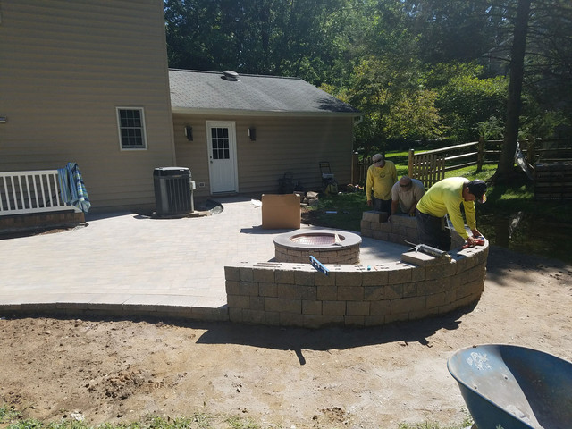 Residential-Hardscape-with-workers.jpg