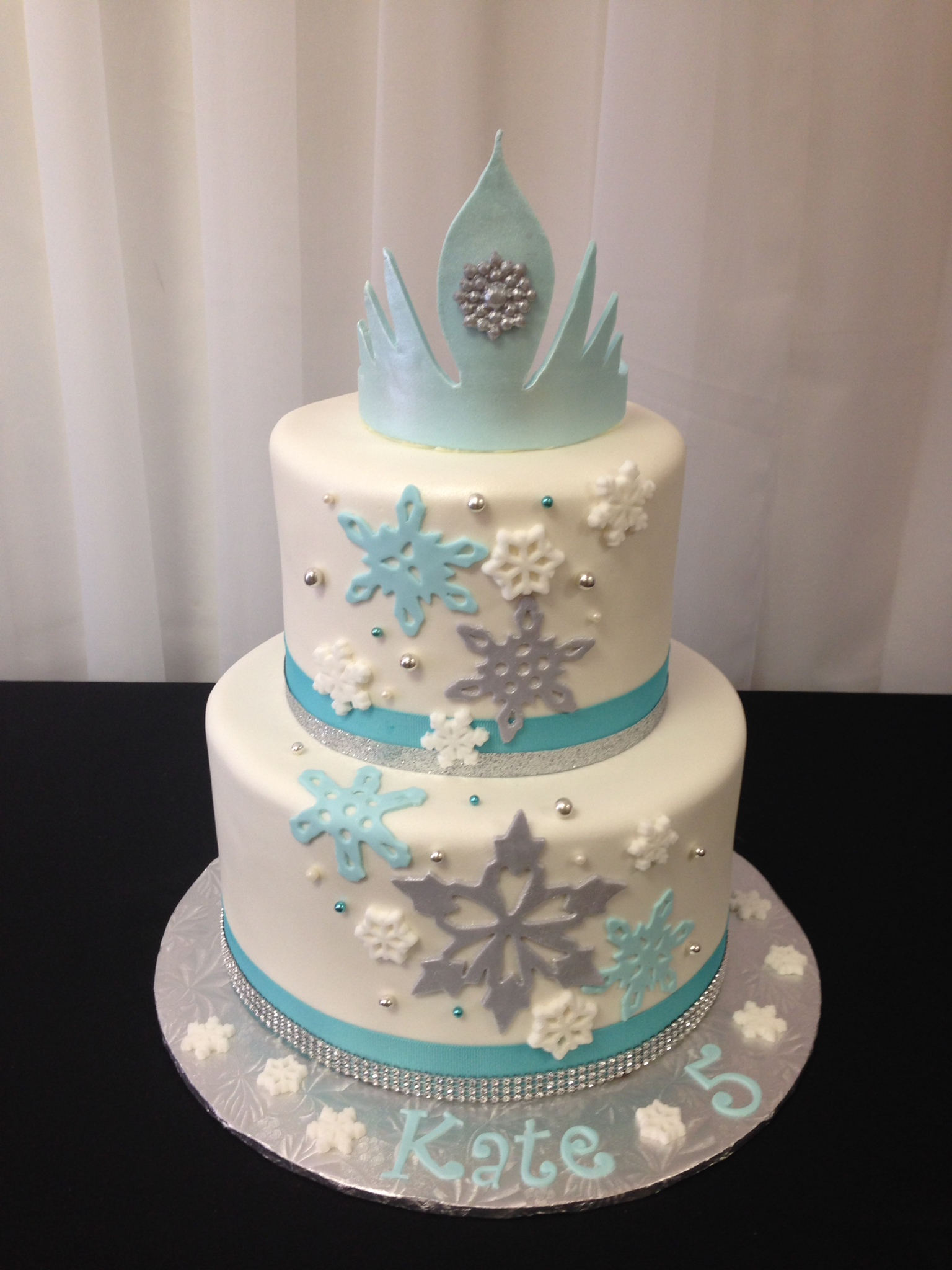 how to prepare frozen wedding cake sugar refined custom wedding cakes frozen snowflakes 16103