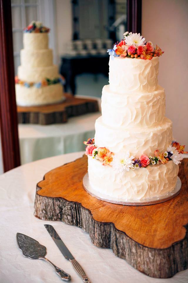 wildflowers wedding cake