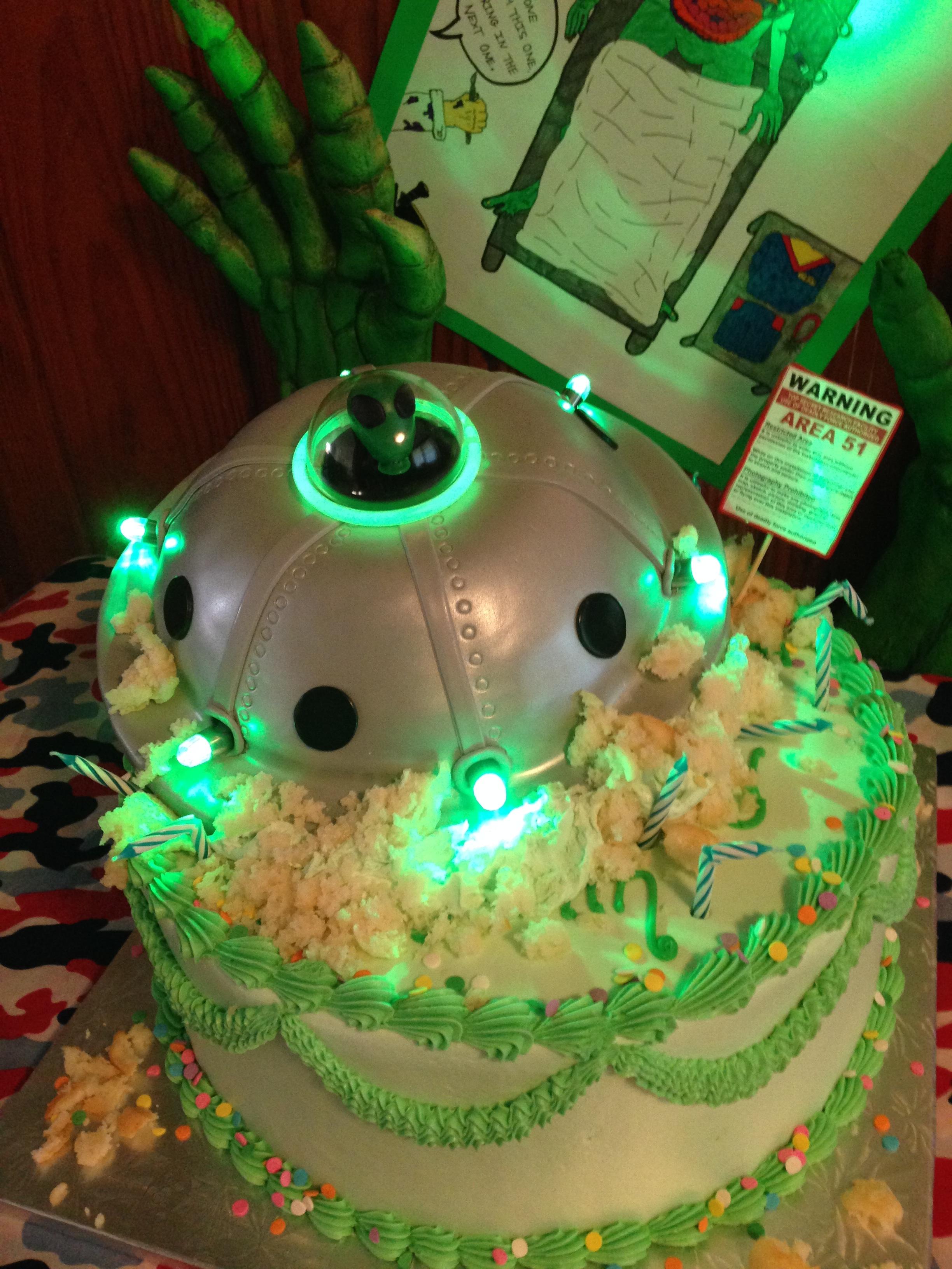 UFO crash cake