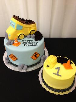 Construction birthday and smash cake
