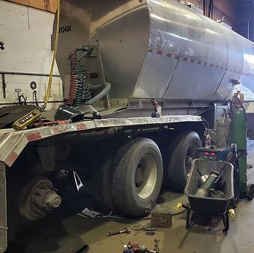 commercial trailer repair 2.jpg