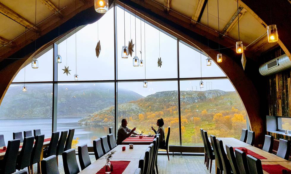 Romantic dinner Snowhotel Kirkenes