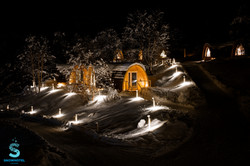 Gamme cabins by night