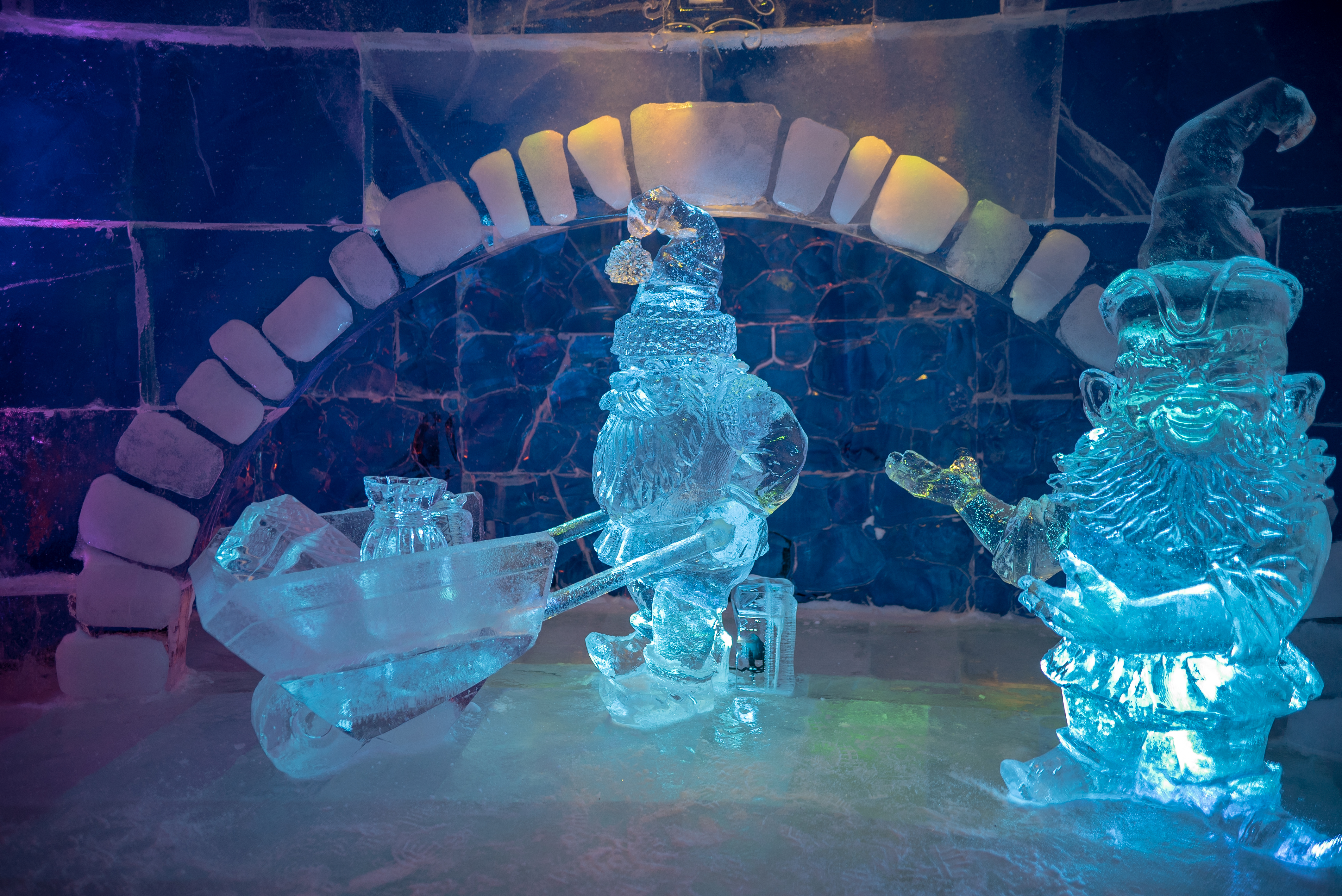 Ice sculptures Snowhotel Kirkenes