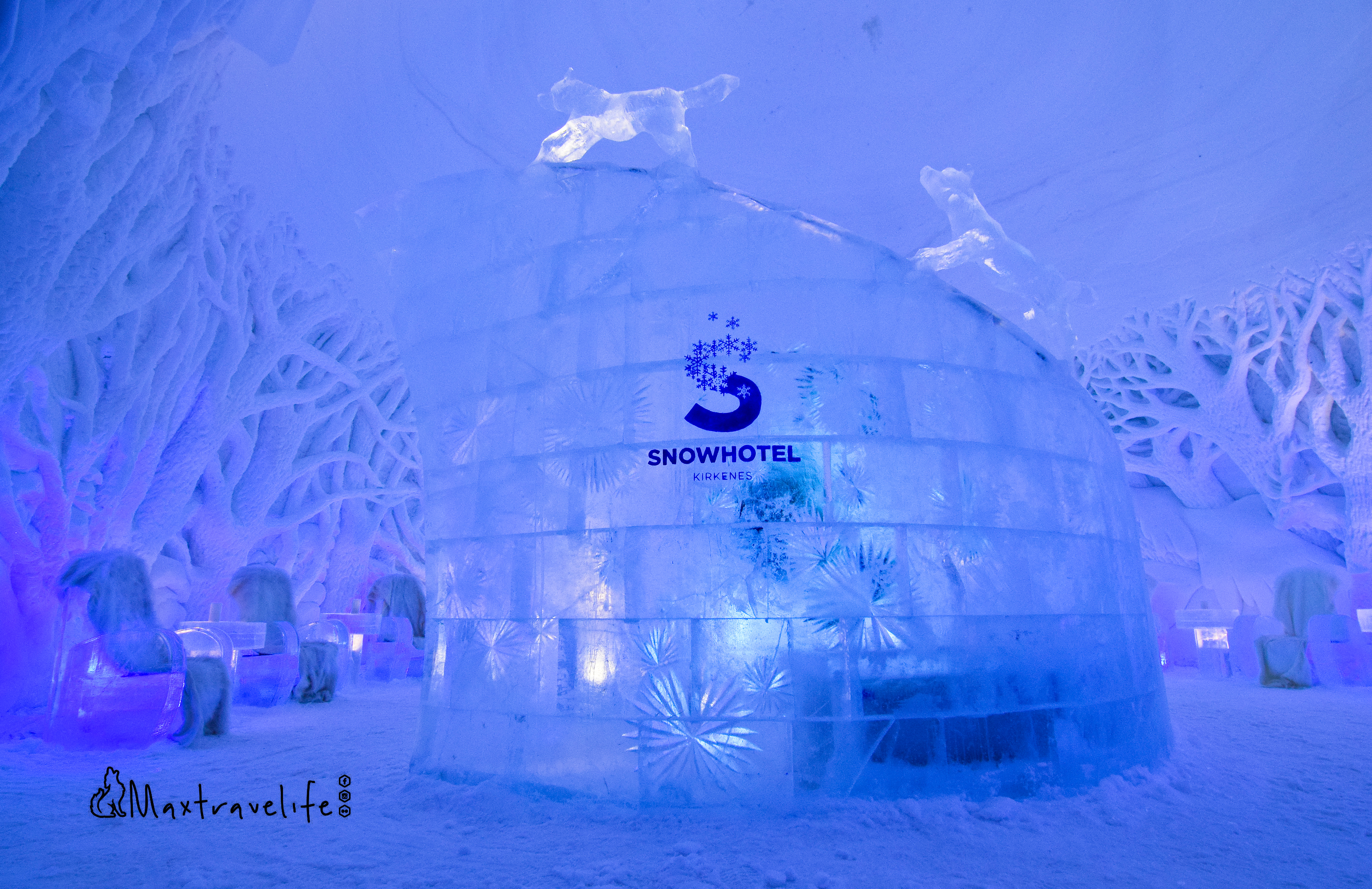 snowhotel entrance (2)
