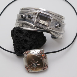 Bead and synclastic cuff bracelet