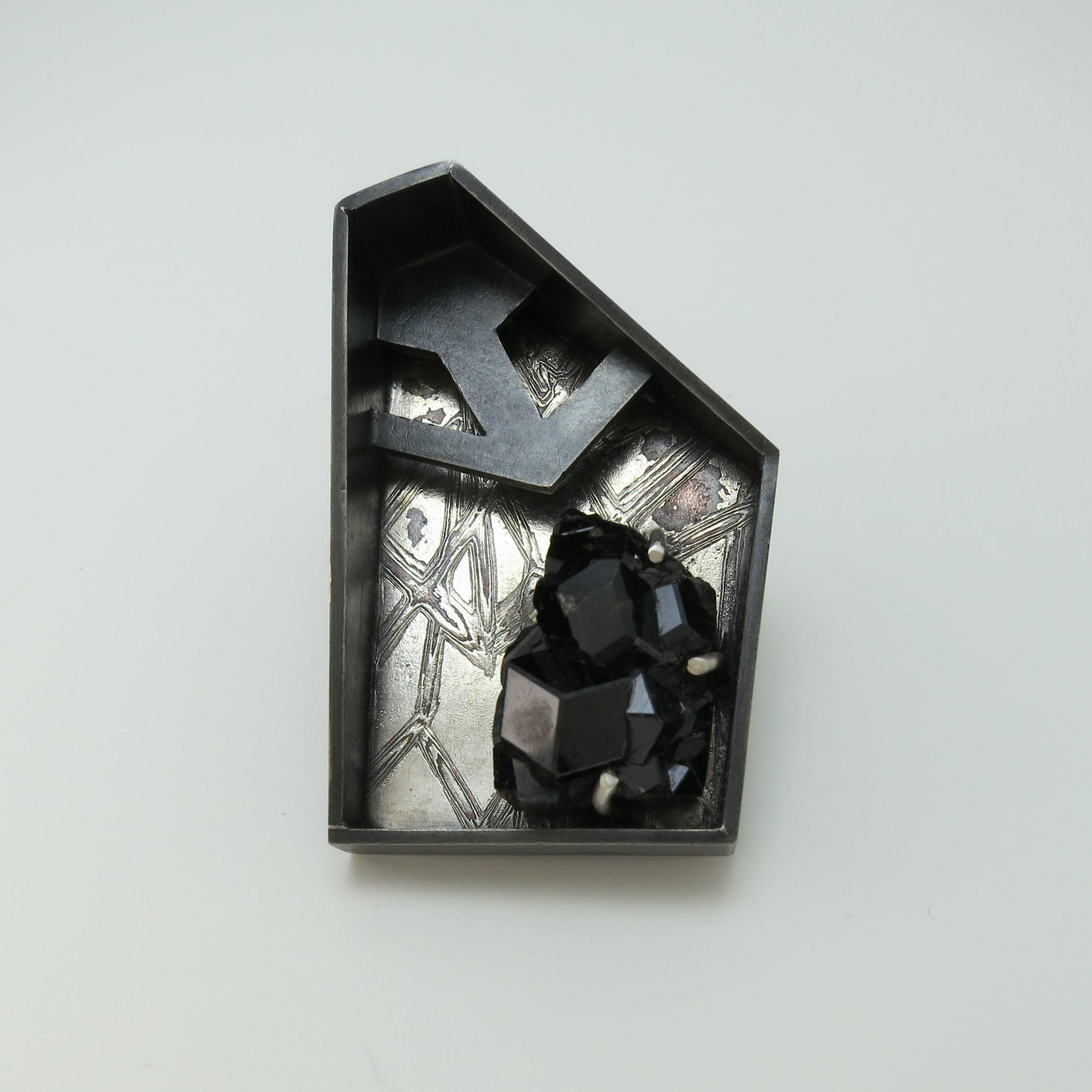 Contact.1 brooch-pendant