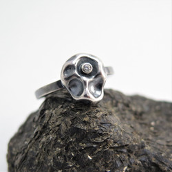 Pebble band ring