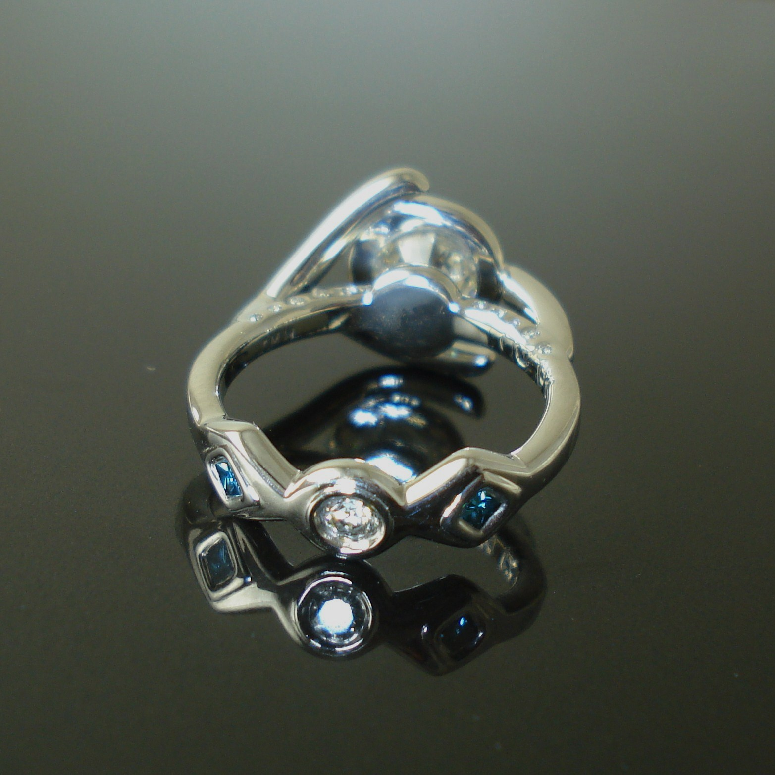 Custom wedding ring