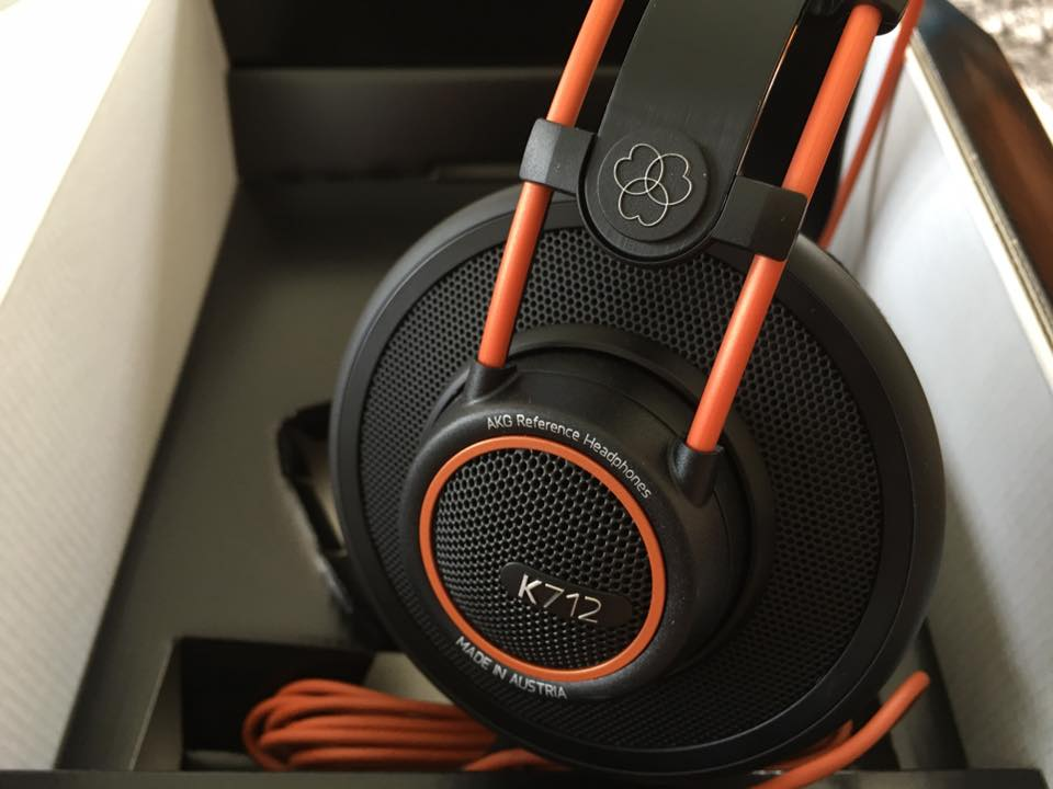 AKG Cans