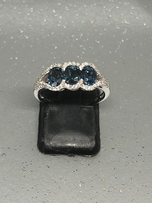 New 18ctSapphire &Diamond Ring