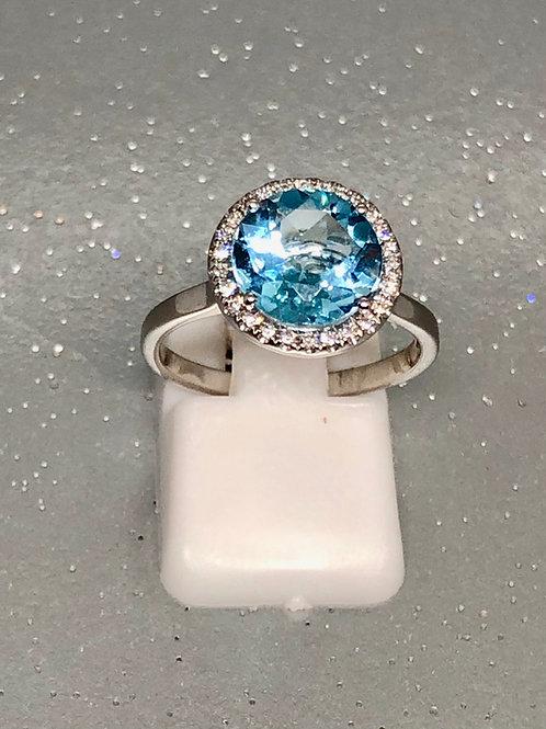 New 18ct Aquamarine & Diamond Ring