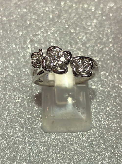 New 18ct White Gold Diamond Trilogy Cluster Ring