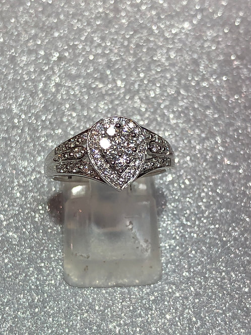 New 18ct Pear Diamond Cluster Ring