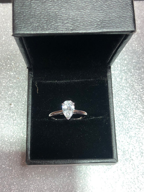 New 18ct Gold Pear Diamond 1ct Ring