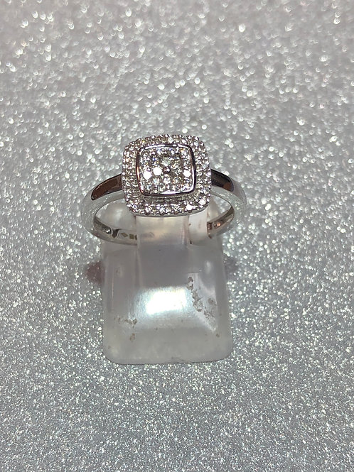 New 9ct White Gold Diamond Ring
