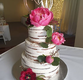 Moniques designer cakes 10.jpeg
