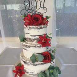 Monique's Designer Cakes   Yamba Wedding Cakes