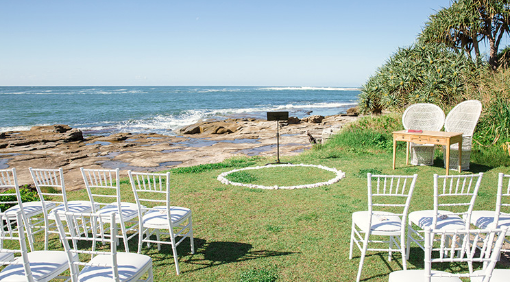 TINK & JAKE'S YAMBA SURF CLUB WEDDING