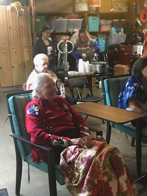 The residents visited and had hot chocolate and cookies afterwards.