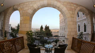 mount of olives view room with balcony