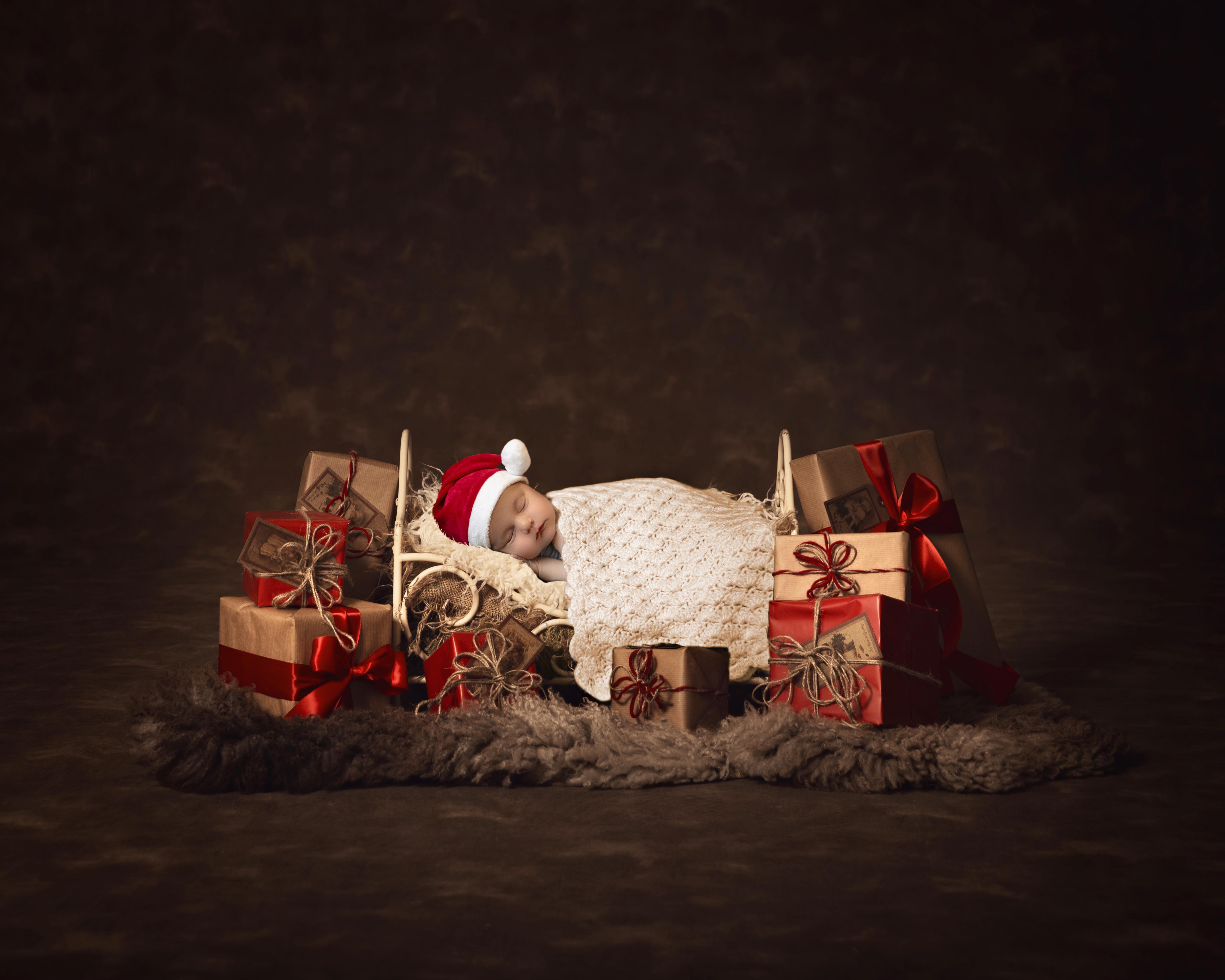 ChristmasIronBedGiftsWithDarkBackground2