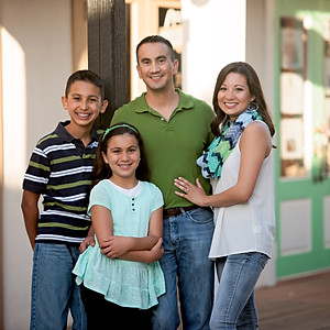 Aida & Family / Family Session