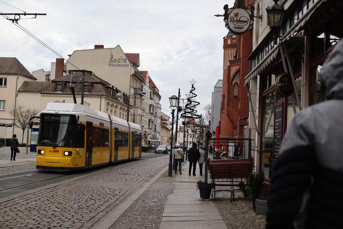 BERLIN - parisean colours