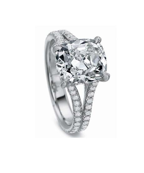 Cushion Split Band Diamond Engagement Ring