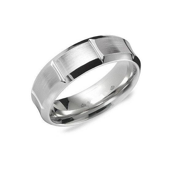 Link edged white gold wedding band