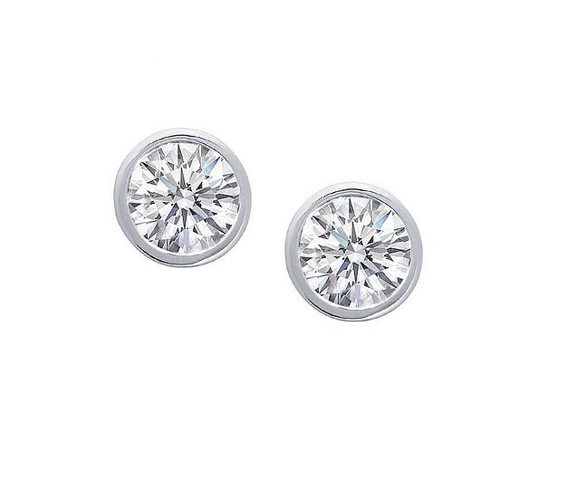 Diamond Stud Earring. BZ958