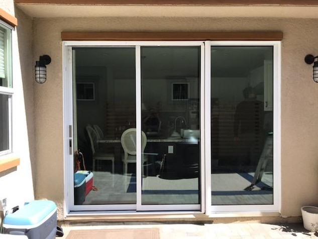 PanoramaLite Retractable Screen Door