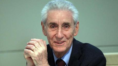 Stefano Rodotà: una falsa democrazia anticipa il nuovo regime