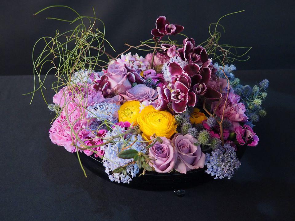 色彩與花形、花器