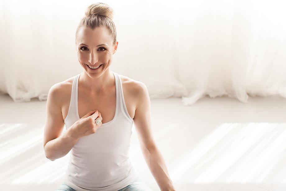 April Cantafio Sollid Mantra Yoga-1154.j
