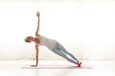 April Cantafio Sollid Mantra Yoga-1087.j
