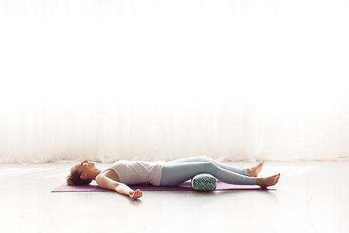 April Cantafio Sollid Mantra Yoga-1125.j