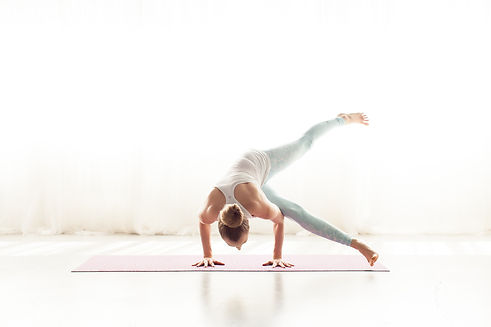 April Cantafio Sollid Mantra Yoga-1058.j