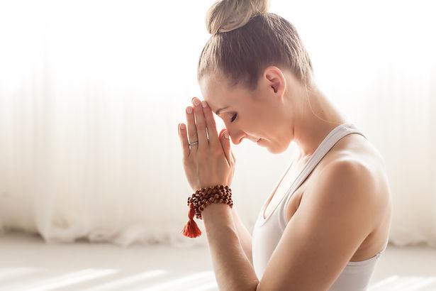 April Cantafio Sollid Mantra Yoga-1182.j