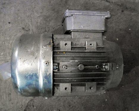Motor de 1370 rpm, 0.37 hp #1043