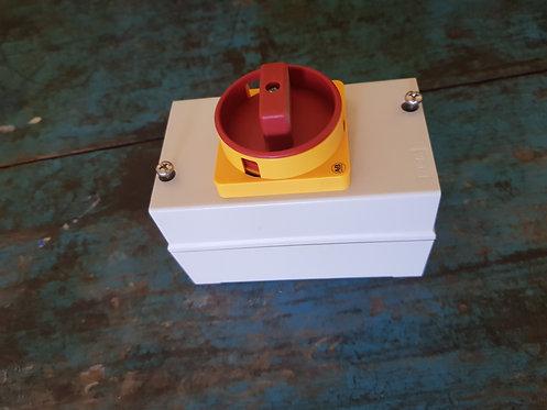 Interruptor en cofre 16A 194E-Y16-1753+4N #183