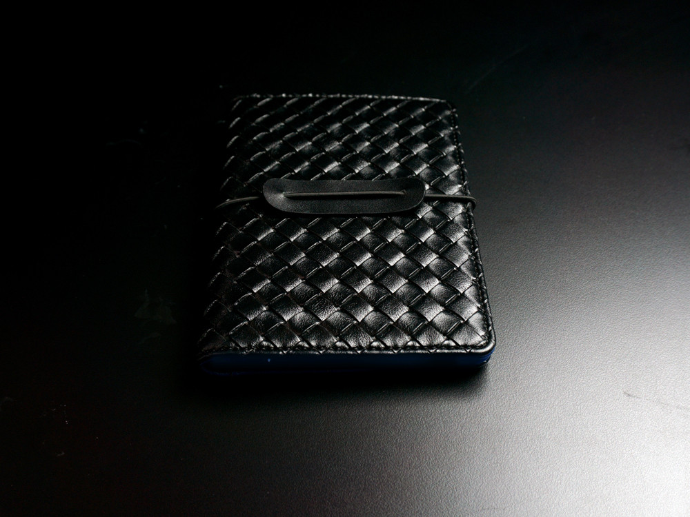 SmartGo LUX Passport Holder Black