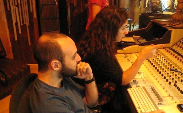 Aurélie_&_Daniel_aux_manettes_au_studio_Tenda_da_Raposa