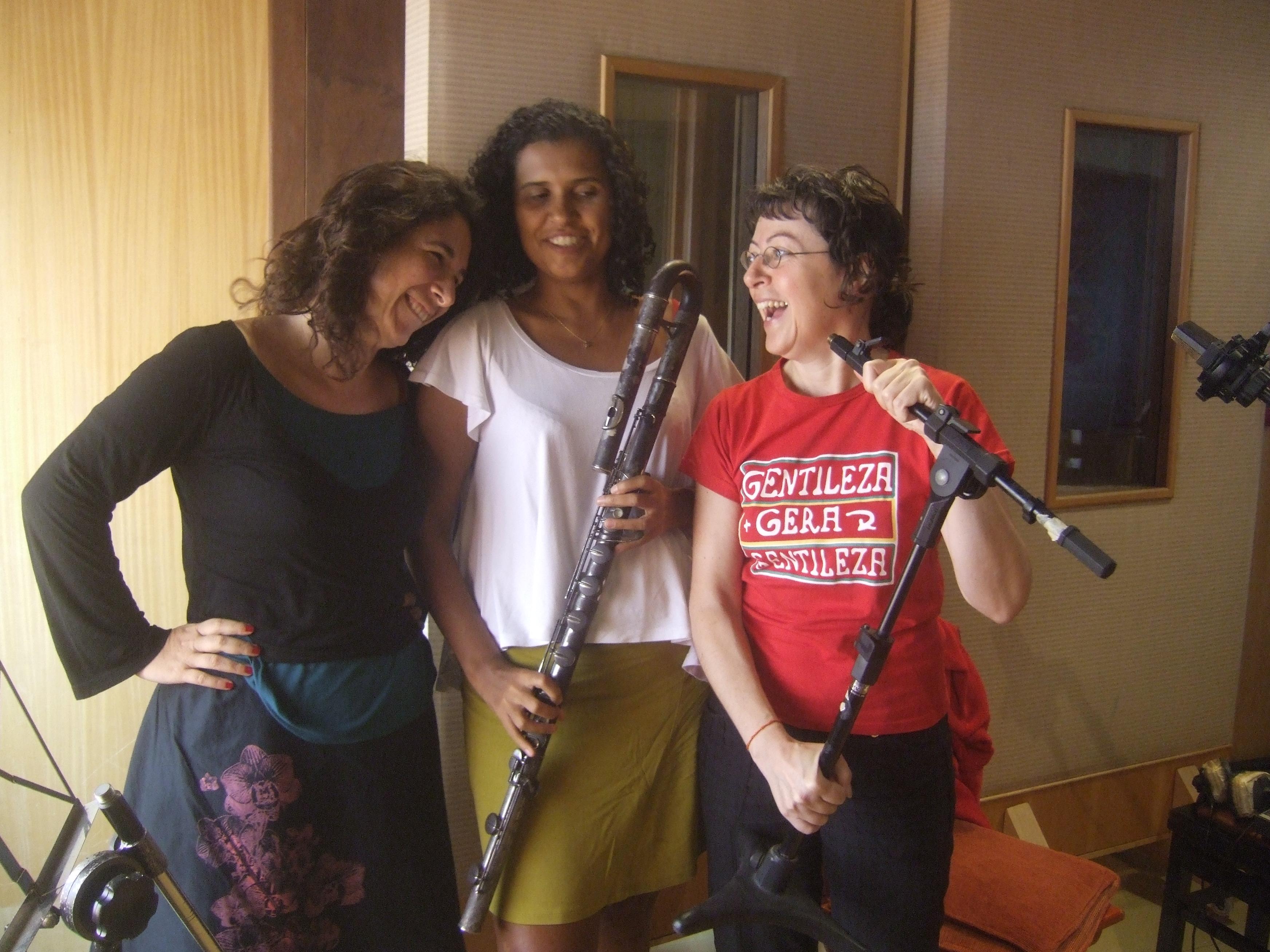 Verioca,_Aurelie,_Aline_Gonçalves_enregistrent_Au_studio_Tenda_da_Raposa