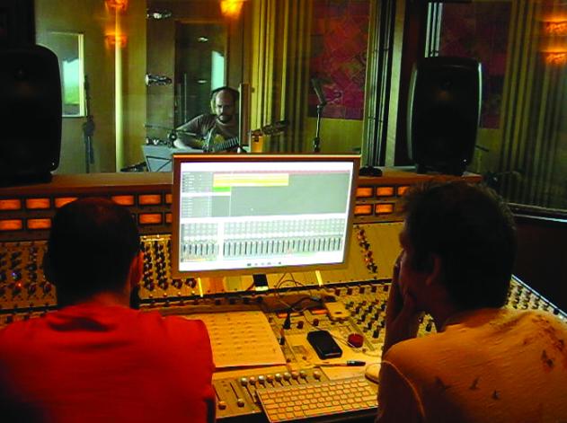 daniel, gustavo enregistrent Daniel de Casuarina au studio Tenda da Raposa