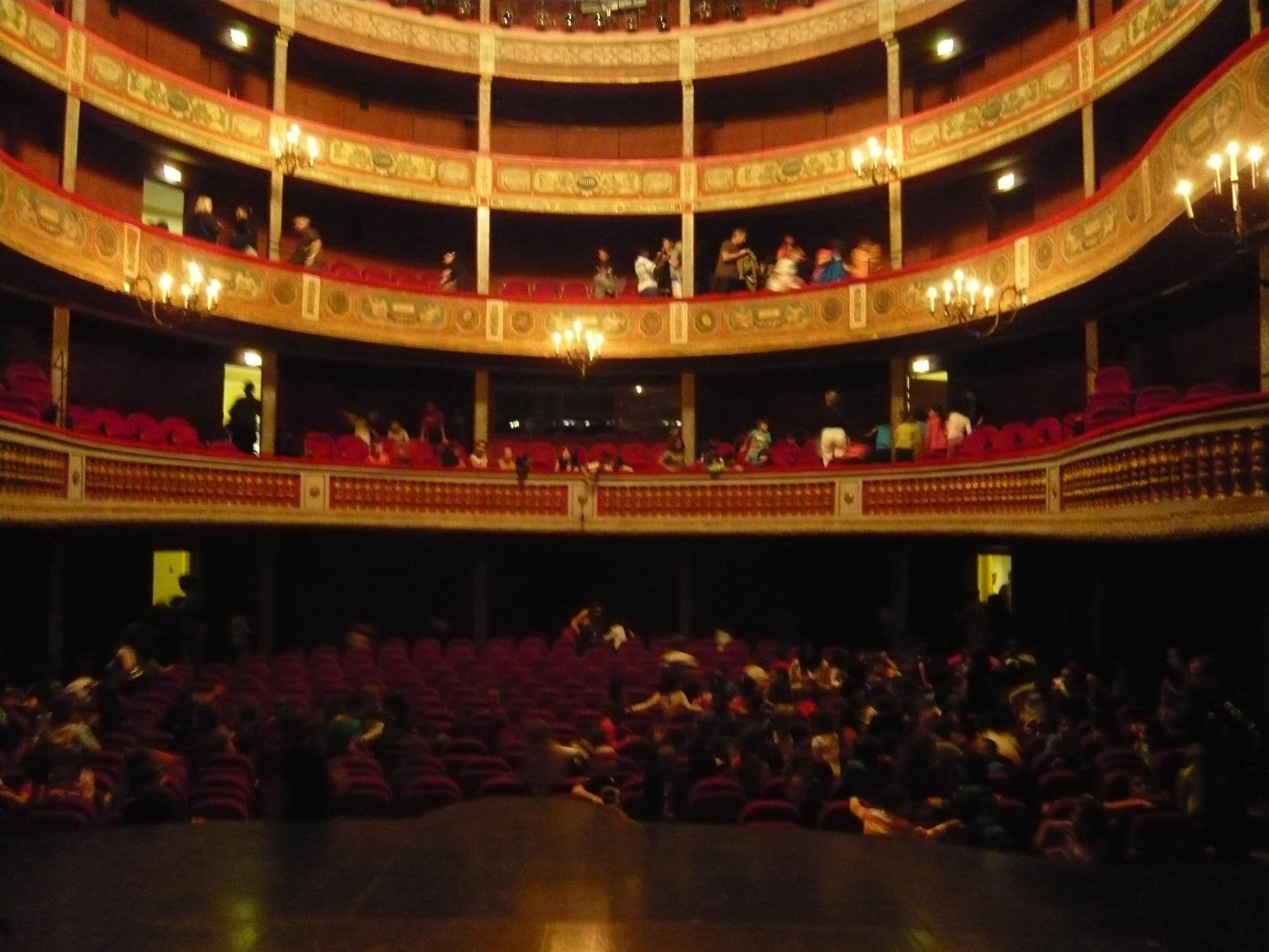 Aurelie_Verioca_ANDANDO_JMF_Théâtre_Municipal_de_Beziers_14_10_14