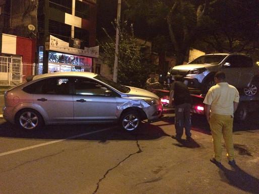 Acidente entre dois veiculos na Av. João Goulart chama atenção
